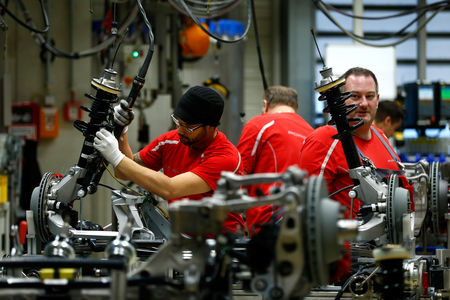Produção manufatureira dos EUA recua em julho