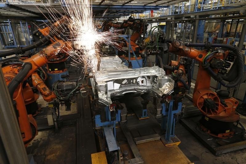 © Reuters.  Gb, produzione industriale meglio di attese ma outlook incerto