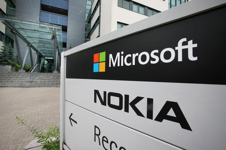 Microsoft a Standout Amid Old Tech Slump By Investing.com