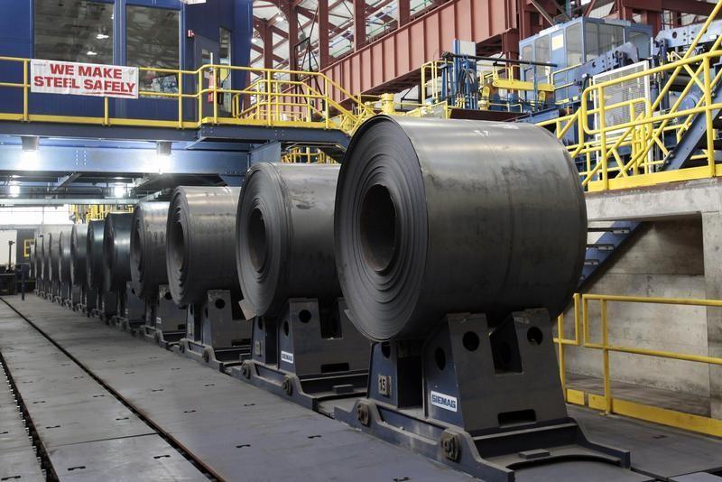 © Reuters.  Sexta-feira é marcada por nova queda nos contratos futuros do minério de ferro