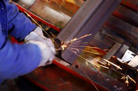 PMI industrial do Reino Unido alcança recorde de 6 meses devido ao Brexit