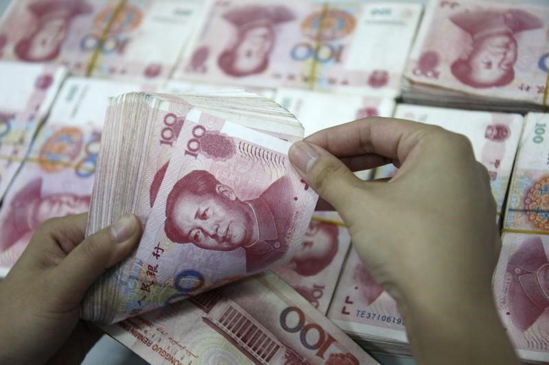 EM ASIA FX-Yuan extends slide though China seen curbing losses, Asian currencies on edge