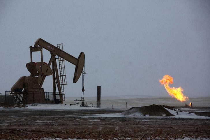© Reuters.  Oil was higher on Friday.