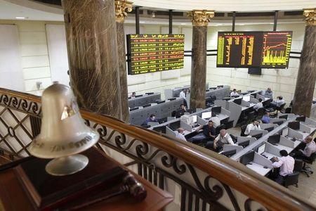 نتائج إيجابية توقف خسائر البورصة السعودية، والتجاري الدولي يهبط بمصر