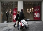 UK Retail Sales Rise by 0.8% in February