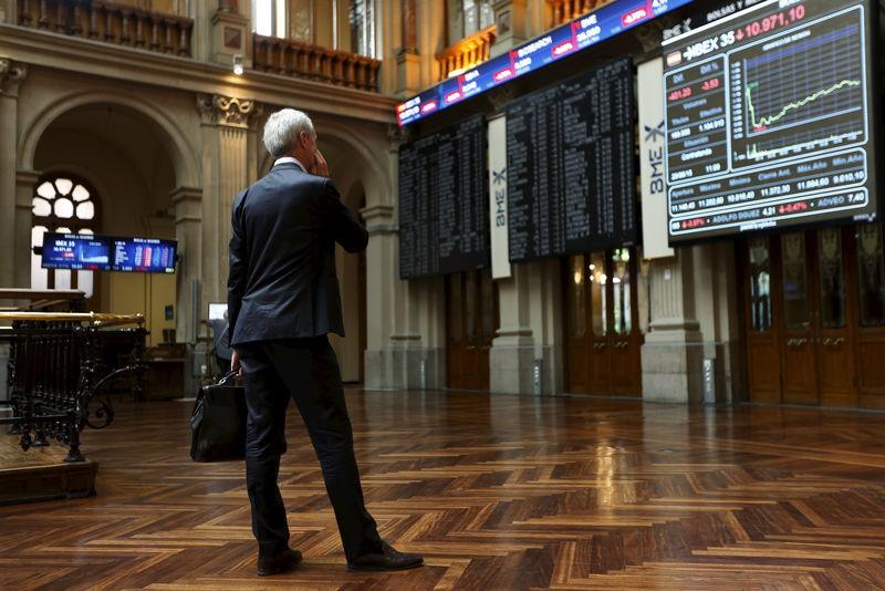 Futuros europeos indecisos, pendientes de la guerra comercial