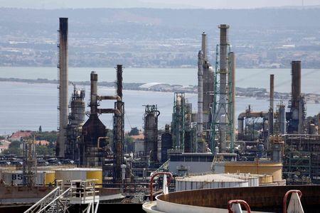 """اسهم شركات النفط تعود مزمجرة بدعم من الهدنة، فما حقيقة تصريحات """"ترامب""""؟"""