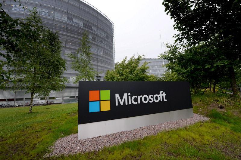 © Reuters.  TomTom nog nauwer in zee met Microsoft