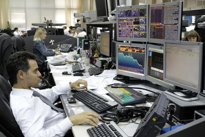 © Reuters.  Russia stocks higher at close of trade; MICEX up 0.18%