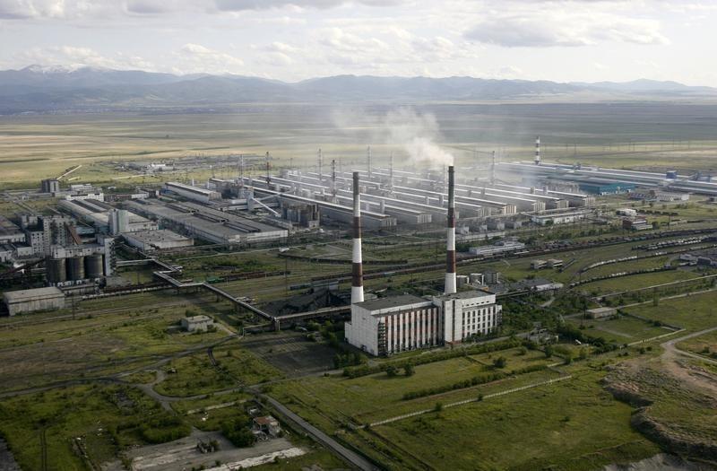 © Reuters.  Центр развития ВШЭ считает, что данные Росстата по промпроизводству в РФ в мае завышены