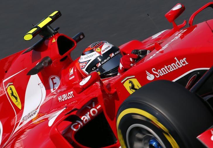 © Reuters.  Motor racing-Mandatory two stops not the solution, says Pirelli F1 boss