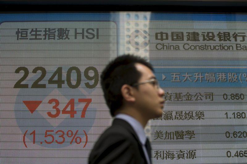 © Reuters.  El Hang Seng inicia la semana con subidas tras buenos datos del PIB chino