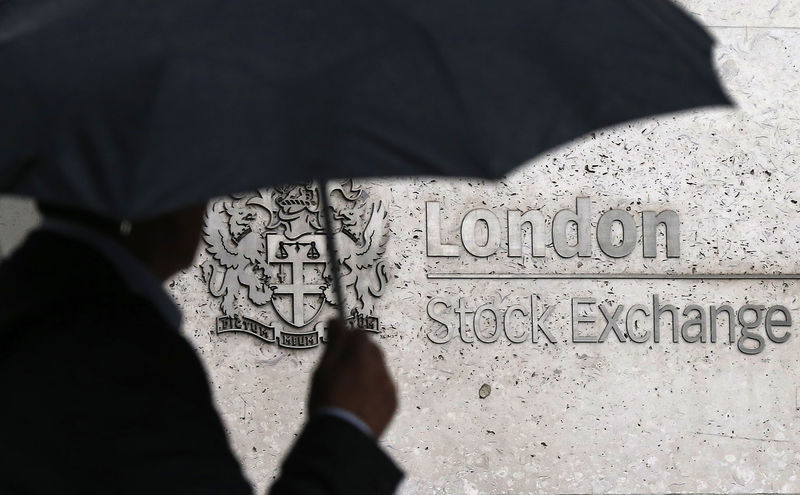 © Reuters. U.K. stocks higher at close of trade; Investing.com United Kingdom 100 up 0.40%