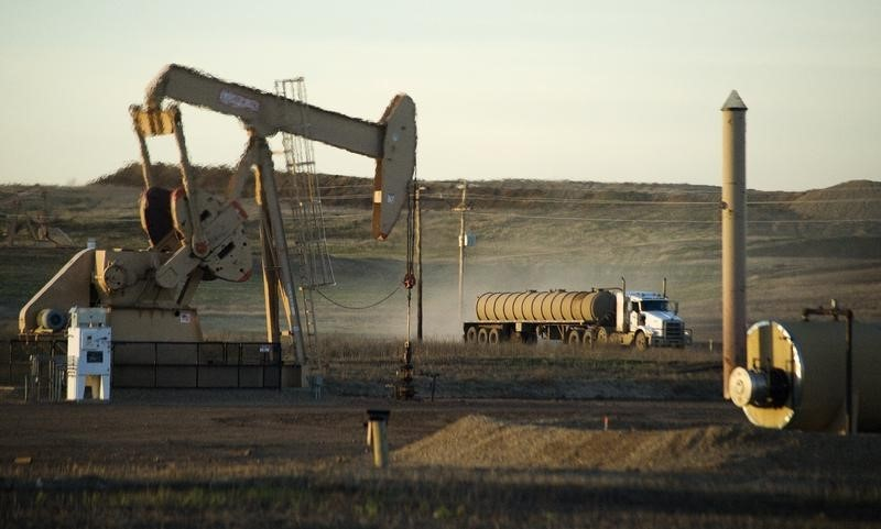 Oil Prices Dip Ahead of U.S. Crude Inventories - Investing.com thumbnail