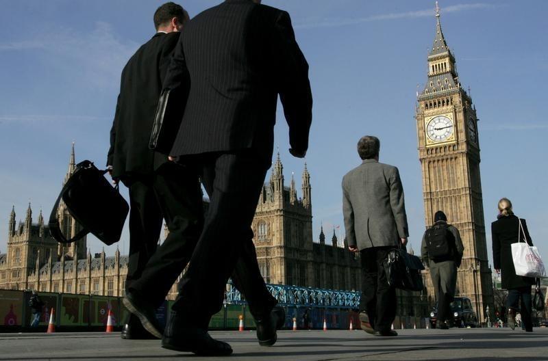 © Reuters.  GDP Q2 của Anh tăng 0.4%, bằng với mức dự báo