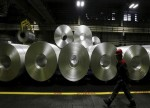 UPDATE 1-Aluminium producer offers Q2 shipments at 31 pct higher premium -sources
