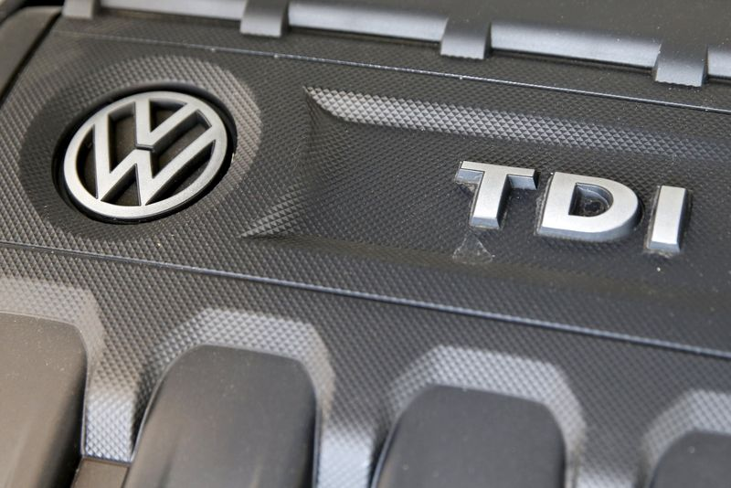 © Reuters.  VW proposes catalytic converter to fix U.S. test cheating cars - Bild am Sonntag