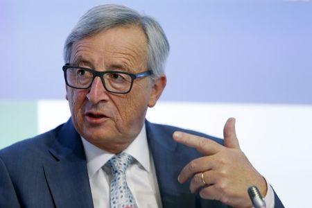 Juncker, da Comissão Europeia, interrompe férias para passar por cirurgia urgente
