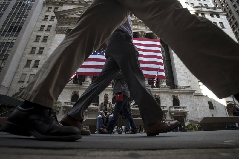 U.S. stocks mixed at close of trade; Dow Jones Industrial Average up 0.32%