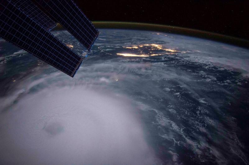© Reuters.  Tempestade tropical se aproxima de Flórida, Alabama e Mississippi