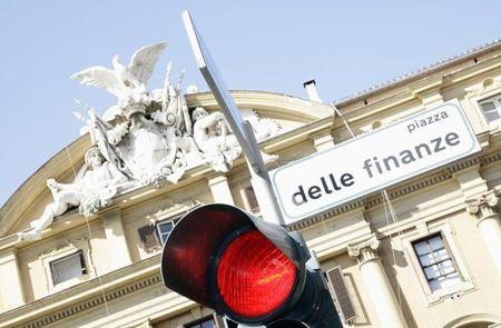Btp, chiusura pesante, spread balza di 20 pb su timori governo anti euro