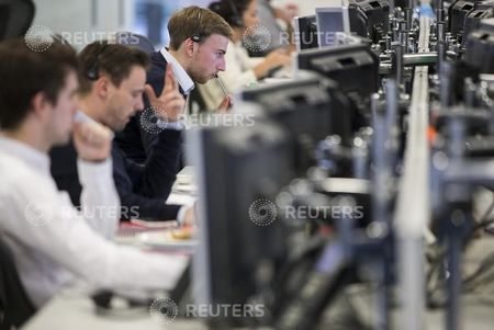 Netherlands stocks higher at close of trade; AEX up 0.40%