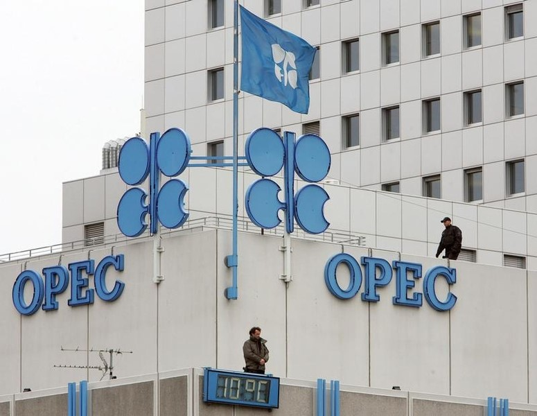 © Reuters.  OPEC production rose in June.