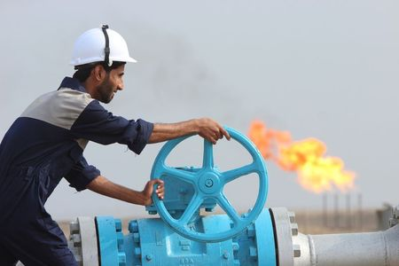 Oil Set for Worst Week in 13 Months Amid Coronavirus Fear