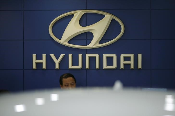 © Reuters.  Hyundai Shares Jump Most Since 1988 After Report on Apple Tie-Up