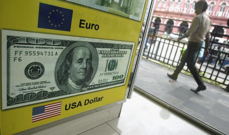 © Reuters.  פורקס - EUR/USD נחלש בסוף המסחר בארה