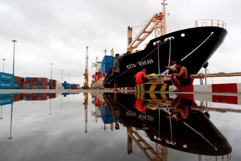 © Reuters.  Preços de importação e exportação caem nos EUA