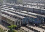 भारी बारिश के कारण मुंबई रेल सेवा बाधित इस वजह भारत की  मुंबई में फसे सैकड़ो लोग