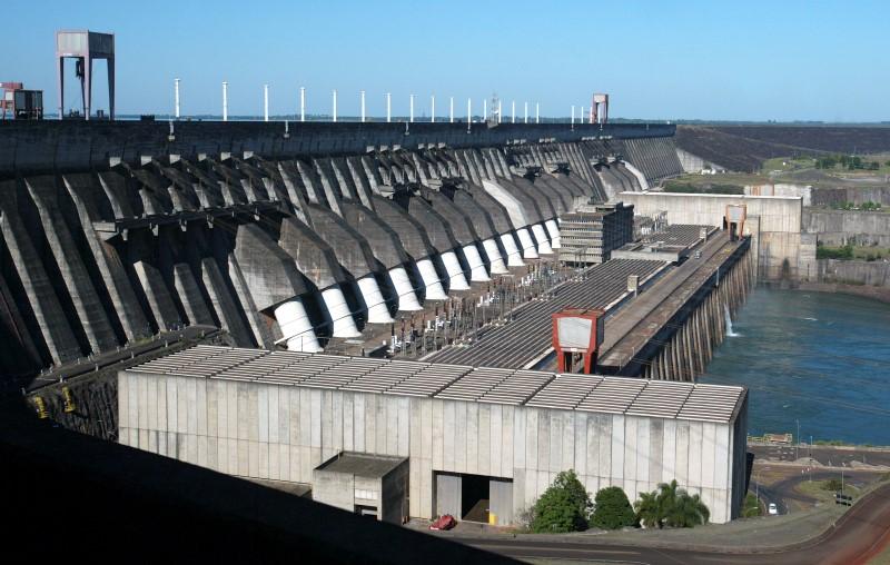 © Reuters.  Justiça revê decisão e elétricas não terão cobrança retroativa por risco hidrológico