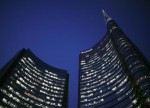Borsa Milano ritraccia da massimi, bene Stm, banche