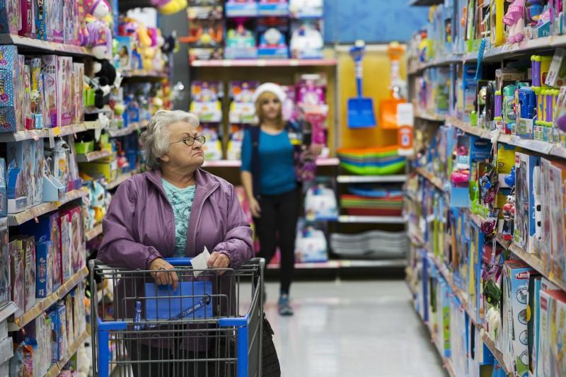 © Reuters. Walmart Stock Rises 3%