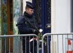 POLITIK-BLICK-Fünf Verdächtige nach Anschlag auf Polizei in Paris festgenommen