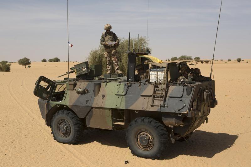 POLITIK-BLICK-Armee - 24 Soldaten und 17 Angreifer bei Gefecht in Mali getötet