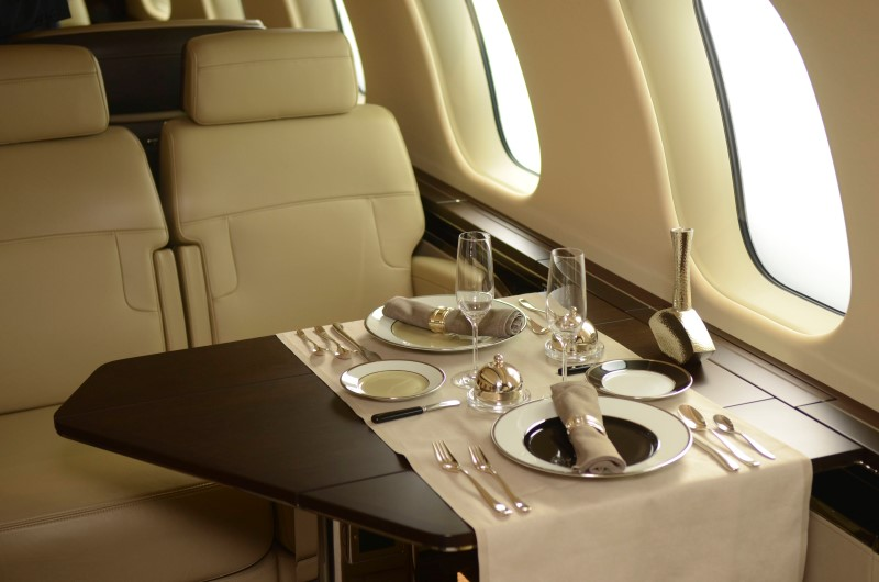 UPDATE 2-Money flies across tarmac as business jet show kicks off By R