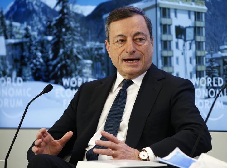 © Reuters.  EZB-Präsident Draghi sieht Fortsetzung der breit angelegten Expansion