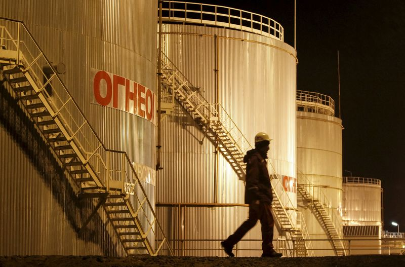 Oil Up 6% on Week, Volatility Could Return By Investing.com