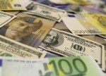 FOREX-Dollar rally pauses as focus turns to Fed minutes