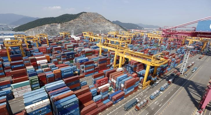 © Reuters.  Korea's Exports Recovery Continues Behind Holiday-linked Fall