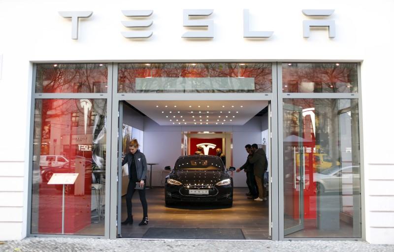 Электромобили от Tesla получат китайское лицо
