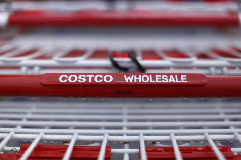 © Reuters.  Costco Earnings, Revenue Beat in Q2