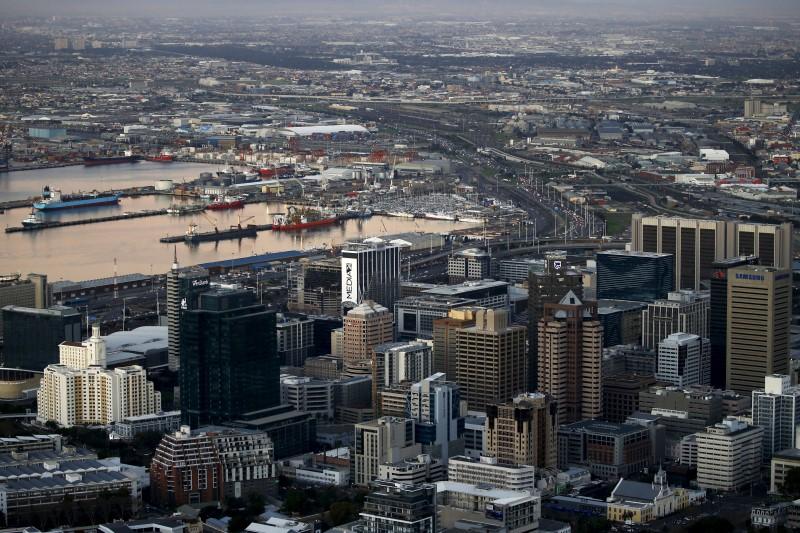 © Reuters.  It would serve no purpose to humiliate Zuma, says Buthelezi