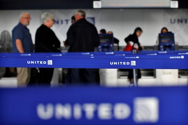BRIEF-United Airlines Resuming Service Between New York/Newark And Delhi And Mumbai