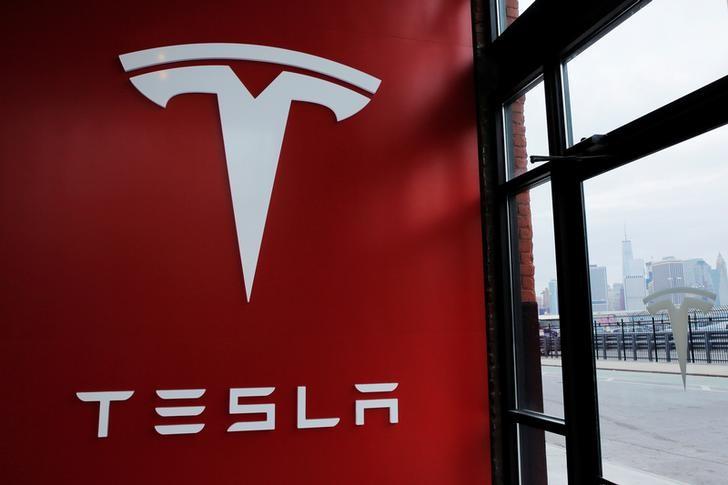 VW-Aktie vs. Tesla-Aktie: Wer wird das Rennen im Bereich Elektroautos
