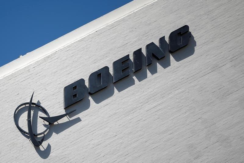Boeing findet für Unglücksmaschine 737 Max etliche Käufer Von Reuters
