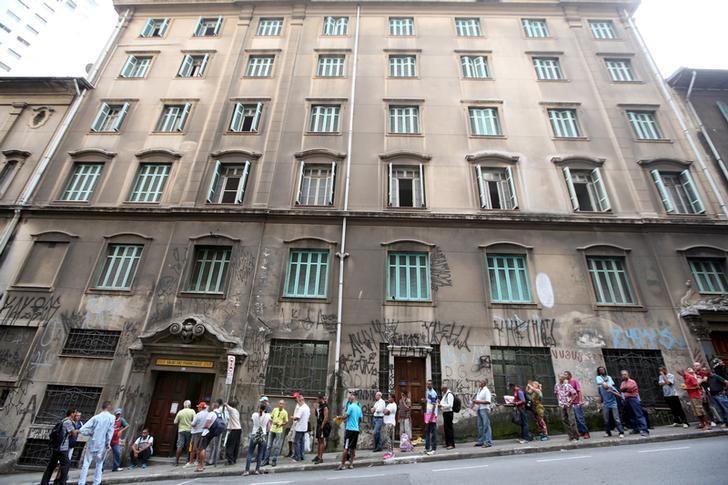 © Reuters.  El sector servicios en Brasil cae un 2,2 % en julio respecto al mes anterior