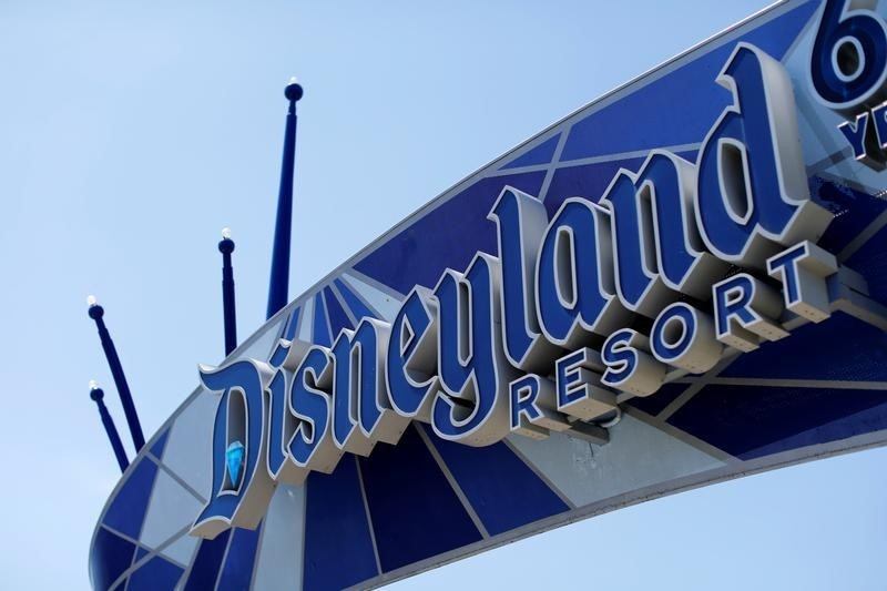 Disney World and other U.S. theme parks update mask rules By Reuters